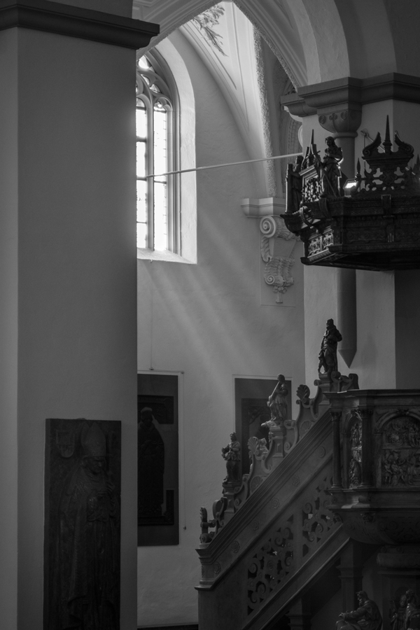 Into_the_light.jpg